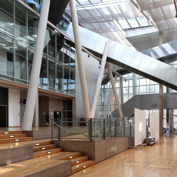 Zdjęcie architektury uczelni